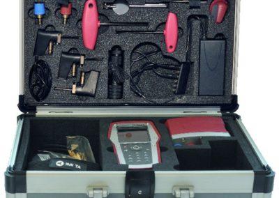 Cette mallette nous permet de vérifier les bons réglages réalisés sur votre installation de manière à garantir un équilibrage pertinent et efficace. Elle s'utilise comme un outil de contrôle et d'aide au diagnostic.