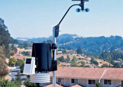 La station météo de EPCO Energies mesure la température, la pluviométrie, le rayonnement et le sens et la vitesse du vent.