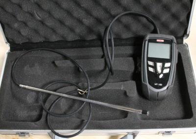 Le thermo-anémomètre permet de mesurer les pressions dans les conduits.